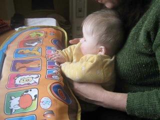 Наша будущая пианистка =)